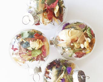 4 Xmas Ornaments   Dried Florals   Clear   Christmas Tree Decorations   Dried Flowers