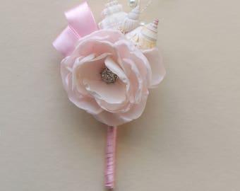 Pale pink seashell boutonniere. Seashell boutonniere. Boutonniere for beach wedding. Boutonniere  for groom