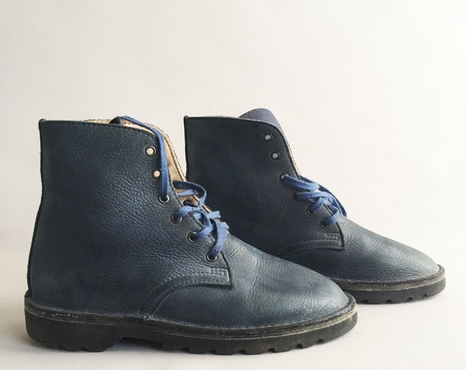 Navy blue leather lace up desert boots