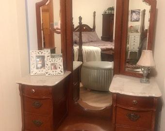 Lexington Brand Vanity// Marble Top//Tri-fold mirror