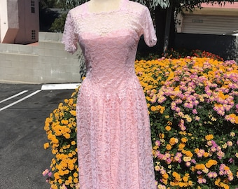 Beautiful Vintage Pink Lace Dress - Small