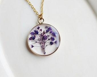 Purple Baby's Breath Flower Necklace, Wedding Jewelry, Pressed Flowers Necklace, Resin Jewelry, Gardener Gifts, Minimalist Jewelry