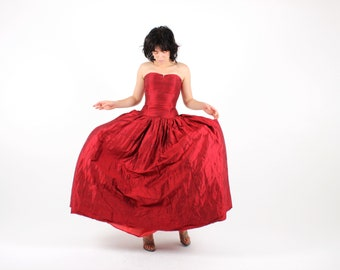 90s RAW SILK Ruby Red TULLE Puff Petticoat / Full Circle Skirt Dolly 50s Style Ruffle Formal Cocktail Prom Dress / Ball Gown