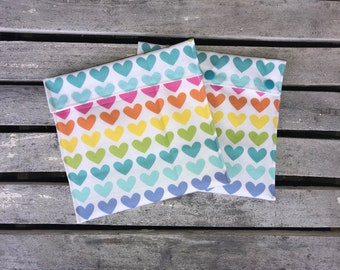 3 sizes available  Sandwich or Snack Bag, Reusable lunch bag  fold over or Snap closure, Food Safe PUL-Rainbow Hearts