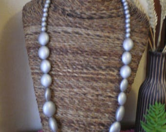 GRAY ACRYLIC BEADS NECKLACE