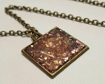 pink glitter faux druzy necklace. boho chic jewelry. faux druzy pendant. one inch pendant. bezel mount. glitter glass square necklace.
