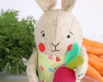 Clover : felt toy rabbit, bunny sewing pdf, softie pdf pattern,bunny toy pdf, bunny pattern, bunny toy pdf, stuffed toy pdf, felt bunny