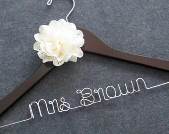 Personalized Wedding Hanger, Bridal Hanger, Mrs Hanger, Wedding Coat Hanger, Engagement Gift, Custom Wedding Hanger with Flower, Shower Gift