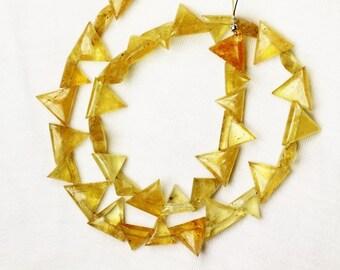 38 piece smooth YELLOW AQUAMARINE triangle beads 8 --13 mm side