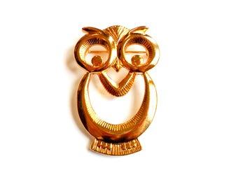 Vintage Owl Brooch Gold Tone Broach Pin Stylized Mod Bird Figural Fall Halloween Big Eyes Cut Out