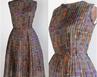 Vintage 1950s Fit and Flare Dress / 50s New Look Pleated Dress / Pleated Full Skirt  / 50s Summer Dress / Abstract Print / Ethnic Print
