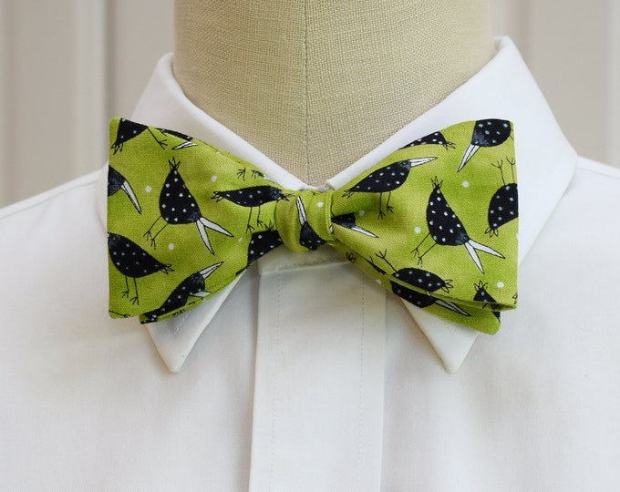 Men's Bow Tie, lime with black birds, bird lovers bow tie, blackbirds bow tie, nature lover's bow tie, zoo wedding bow tie, bird lover gift