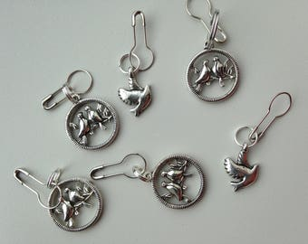 Set of Convertible Knitting and Crochet Stitch Markers in Pewter Lovie Dovies