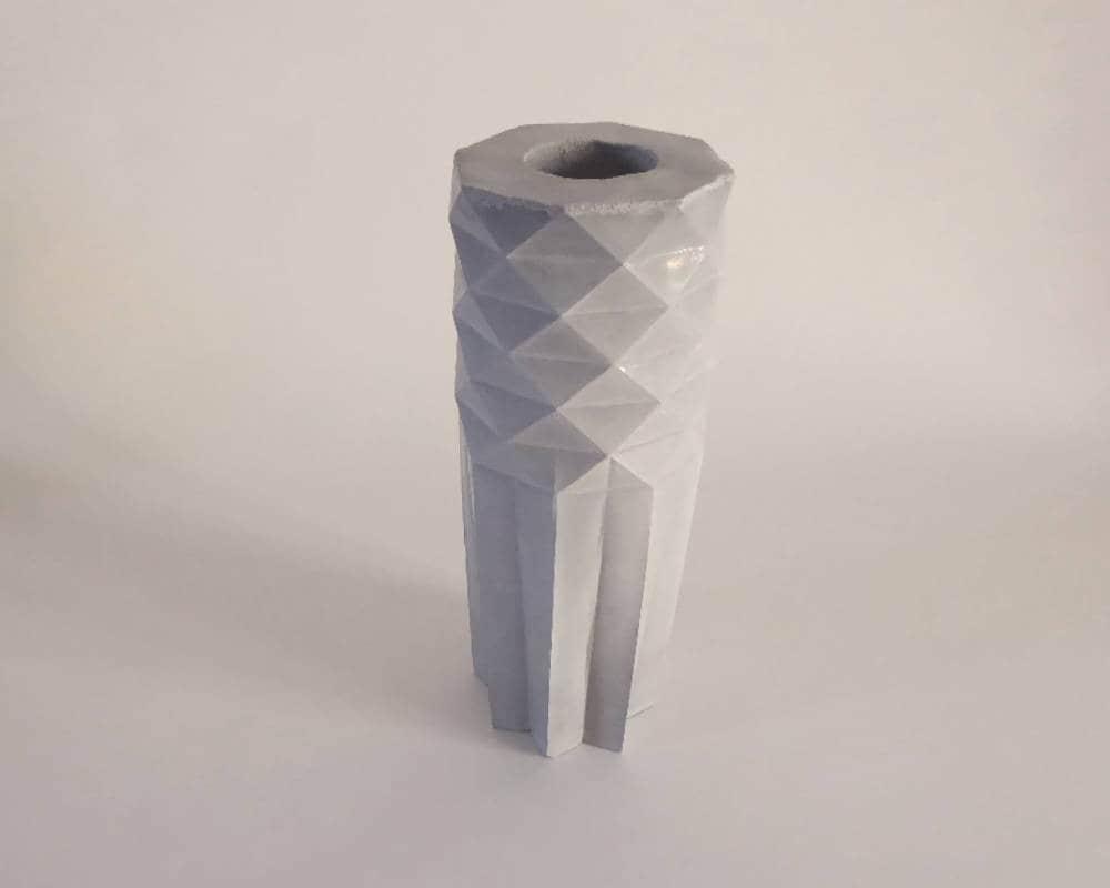 vase origami design g ometrique minimaliste en b ton objet. Black Bedroom Furniture Sets. Home Design Ideas