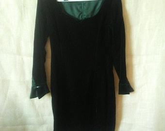 1970s Vintage Green Velvet Mini Dress