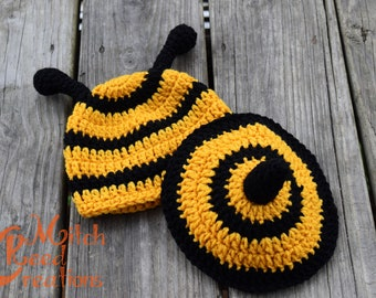 Crochet Bumblebee Hat and Tushie Cover, Crochet Bumblebee Photo Prop, Bumblebee Photo Prop, Newborn Bumblebee Photo Prop - Made to Order