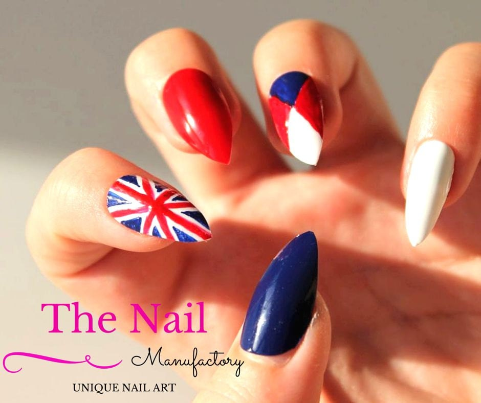 British Flag Nails - Set of Patriotic Handpainted False Nails ...