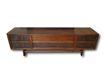 Stereo Console // Mid Century Modern // Repurposed With All New MODERN Electronics // New Turntable // Bluetooth Amplifier