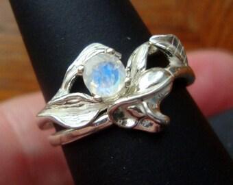 Hochzeit Ring set mit Regenbogenmondstein in Eco freundliche Sterling Silber Custom Made in USA-Ihre Größe - zwei Ringe-Natur Blatt Fae & Lily