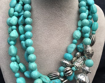 A turquoise torsade necklace