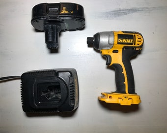 Milwaukee, 18 Volts, Lithium-Ion Battery