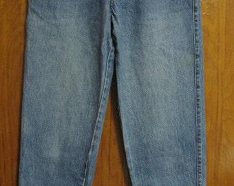 Levi's 900 Series, Women's Vintage Jeans, Size 8, 1980's