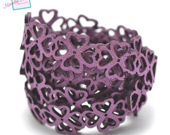 """""""flower heart"""" perforated suede thong cord 1 m 15 x 1, 5 mm, purple"""