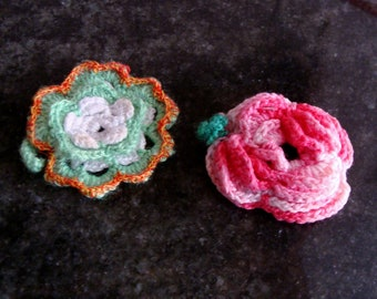 """Application, flower ornament, 2 units. by hand """"crochet""""."""