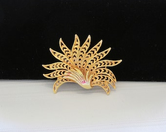 Beautiful Feather Brooch Gold