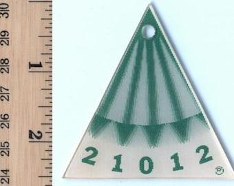 Vintage Lenticular - 3D -Winky - Gizmo - For Golf or Other Measurement