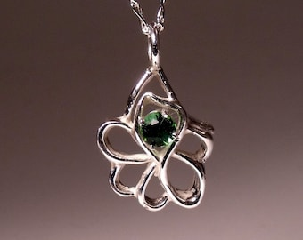 Green Tourmaline Round in Sterling Silver Pendant RF458