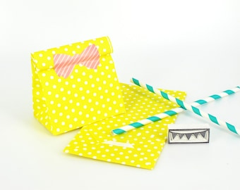 20 Yellow Polka Dot Standing Bags - Paper favor bags with flat bottoms - Perfect for birthday and wedding party