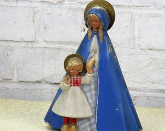 """Dutch Virgin Mary Madonna With Infant Child Wooden Shoes Plaster Statue 9.05"""""""