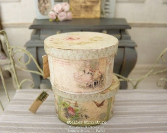 Dollhouse 1:12th scale, Miniature Old fashion, Round Hat Box, Wood and Paper, Handmade in France, Pink interior, Pastel Decor