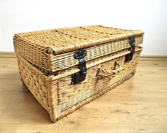 Antique Wicker Suitcase Vintage Steamer Trunk Laundry Basket Hamper Large  Woven Coffee Table Chest Display Blanket Storage Farmhouse Decor