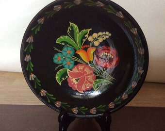 Vintage 1970s clay decorative plate