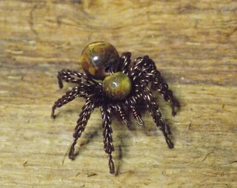 wire spider, spider small, Tiger's eye