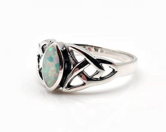 Opal Trinity Celtic Ring // 925 Sterling Silver // Hand Cast // Opal Celtic Ring // Celtic Stone Ring // Celtic Jewellery