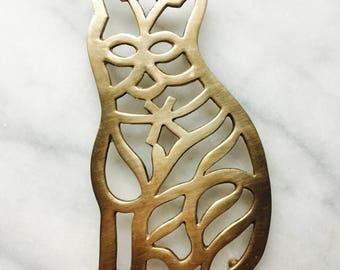 Vintage Brass Cat Trivet, footed hot plate rest, pot holder
