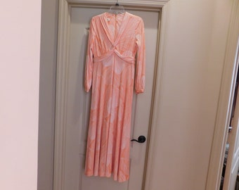 Fabulous Sexy Vintage Gown - Beautiful Style and Sherbet Orange Color - Excellent Condition - Woman's Summer Long Dress
