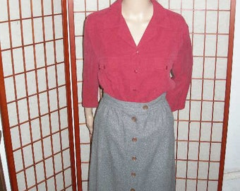 Gray Wool Skirt, vintage, waist 24 inches, retro, length 29 inches, button up front, slightly gathered at front
