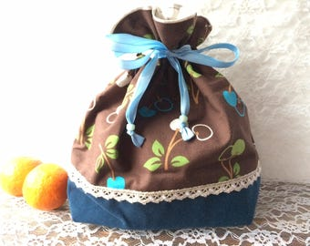 Drawstring bag with cherry patterns