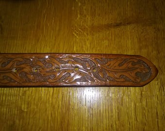 Hand tooled leather belt in Oak Leaf pattern