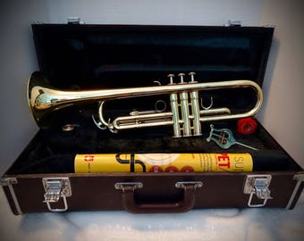 Vintage 70's trumpet w/case and book
