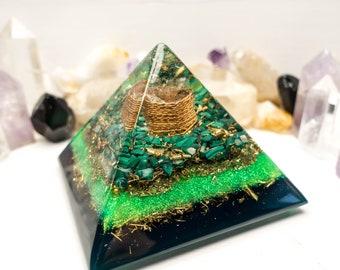 Orgone Pyramid BIG - Harmony Of Space: Crystal quartz, Malachite