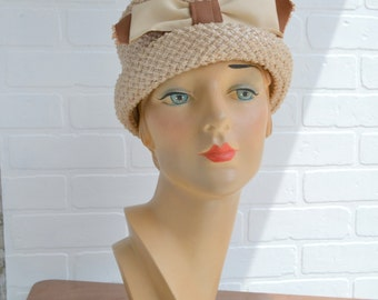 1960s Beige Straw Hat with Ribbon Band