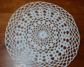 Handmade doily 20 cm, white, round crocheted with fine cotton