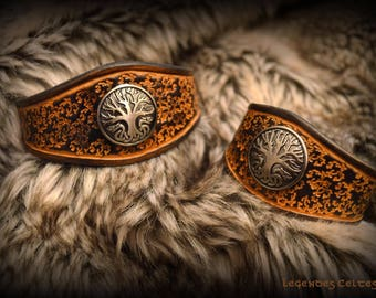 """The source of Yggdrasil"" vegetable tanned leather bracelet"
