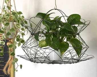 Wire metal folding basket with handles, plant basket, fruit basket