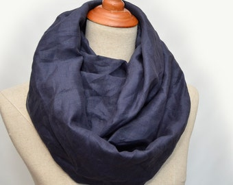 Linen scarf, Linen Infinity Scarf, Chunky Scarf, Natural Linen. Navy.